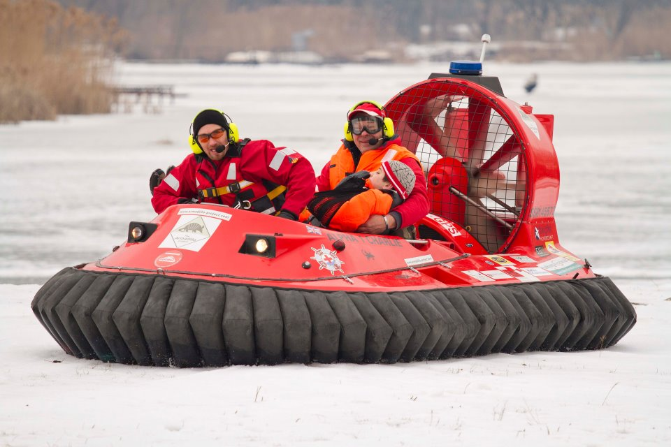 Hoverstream hovercraft can be used for commercial and rescue purposes.
